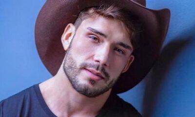 Ex-Fazenda Lucas Viana deixa calça aberta e posa com cueca à mostra - Reprodução/Instagram