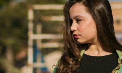 A cantora mirim curitibana Brenda D'Angelis